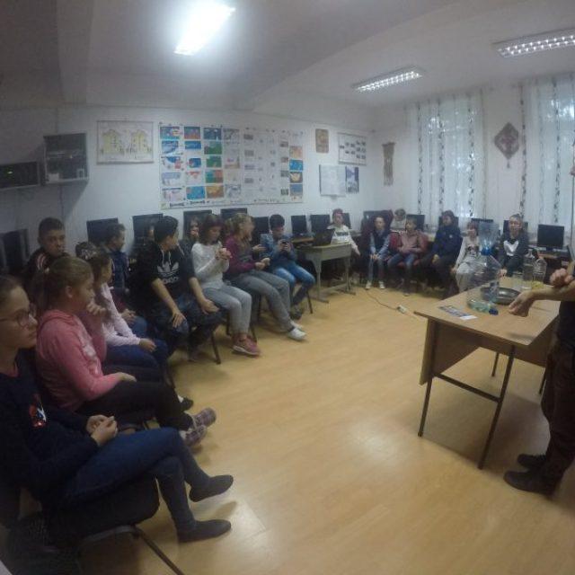"""Lecții educative """"Uleiosul"""" la Școala Gimnazială Țuțora din Iași"""