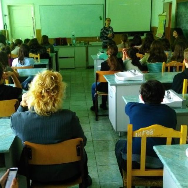 """Lecții educative la Școala Gimnazială """"Otilia Cazimir"""" din Iași"""